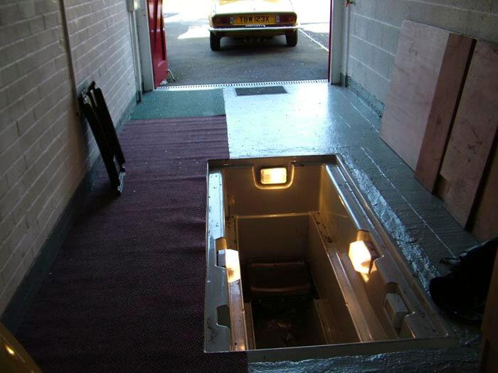 Освещение смотровой ямы гаража