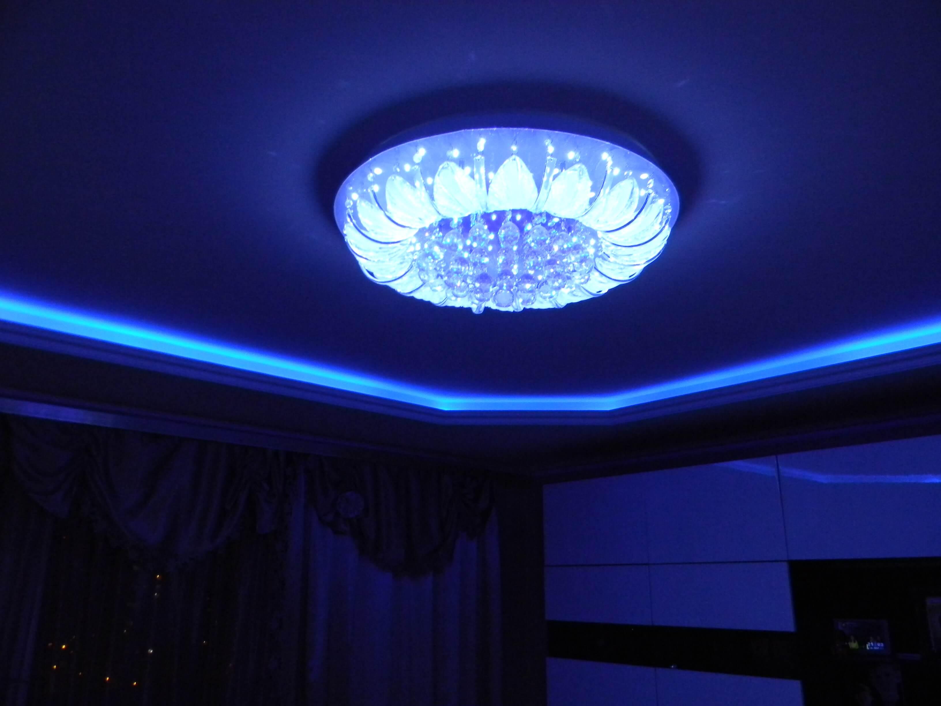 montage fixation plafond kvartal aix en provence maison ikkoku lampe etoiles plafond. Black Bedroom Furniture Sets. Home Design Ideas
