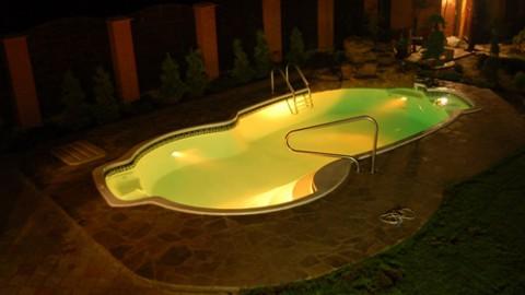 Какой должна быть подсветка бассейна — 15 фото идей