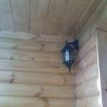 Дизайнерская лампа в углу