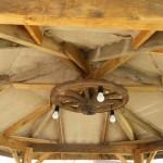 Самодельная люстра из деревянного колеса тележки