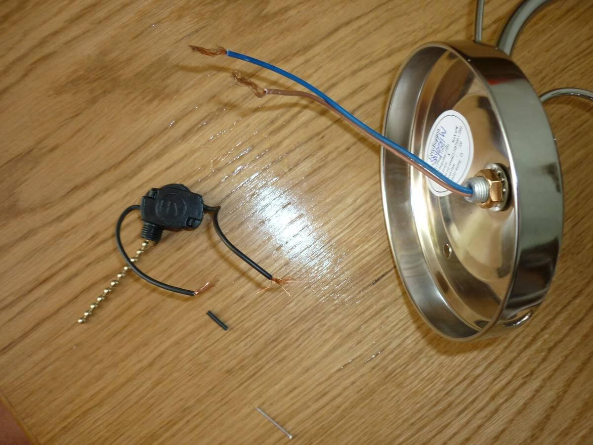 схема подключения розетки и лампочки и выключателя