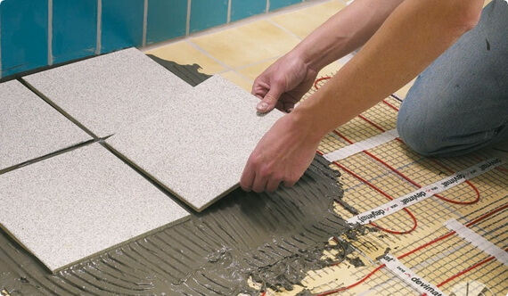Укладка плитки поверх стяжки