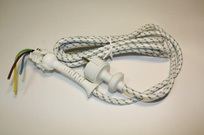Сетевой шнур в тканевой оплетке