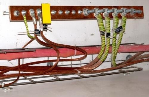 Как правильно ввести электрику в дом