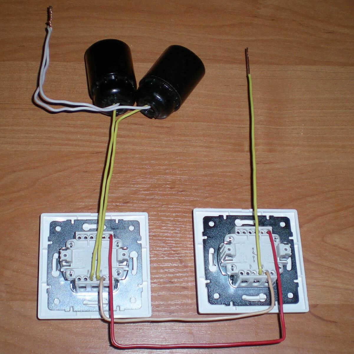 схема две люстры один выключатель