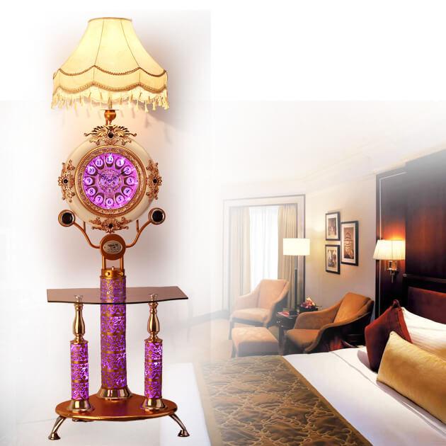 Лампа с часами и столиком
