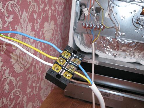 Соединение с вводным кабелем