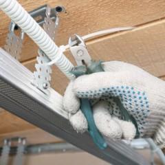 Как провести электропроводку под гипсокартоном