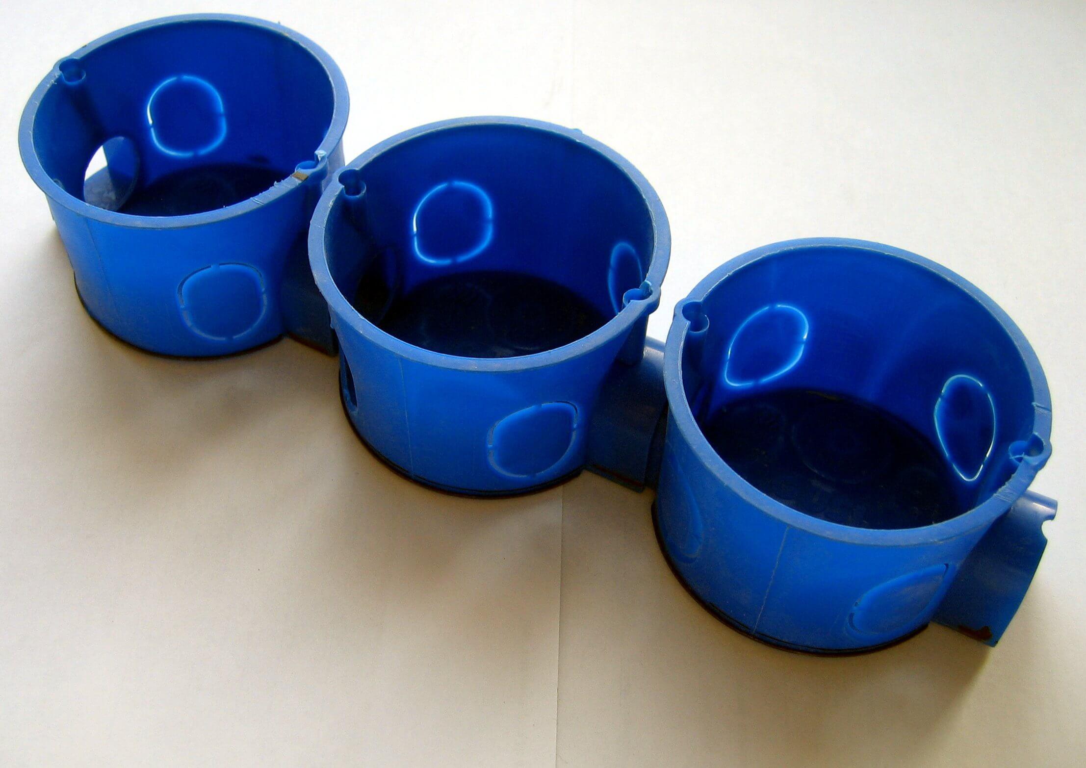 Специальные пластиковые стаканы