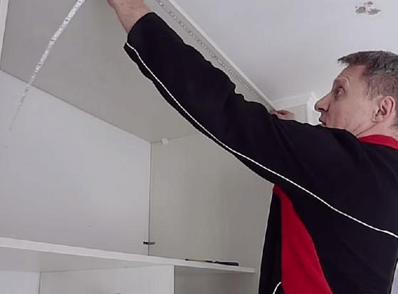 Как сделать подсветку в шкафу своими руками