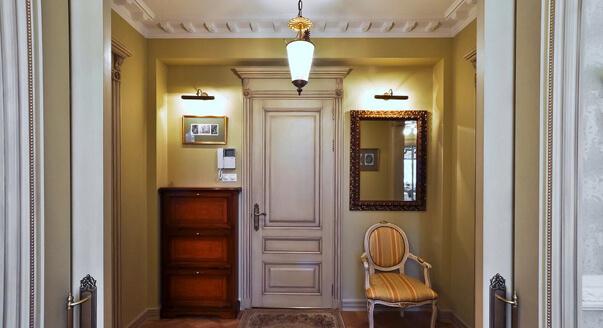 Оригинальный интерьер коридора фото