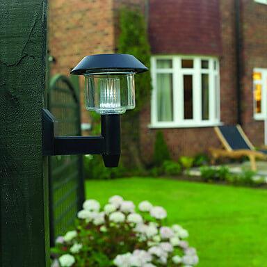 Настенный солнечный фонарь фото