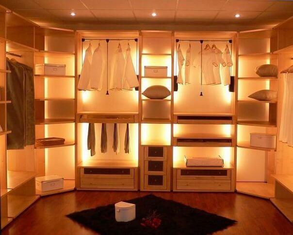 Освещение в гардеробной: фото и варианты светильников