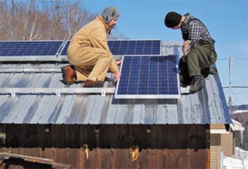 Установка солнечной панели на крыше