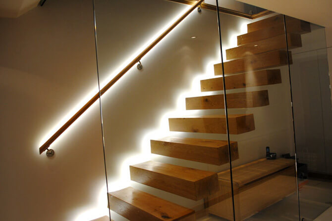 Подсветка лестницы светодиодной лентой своими руками фото 492