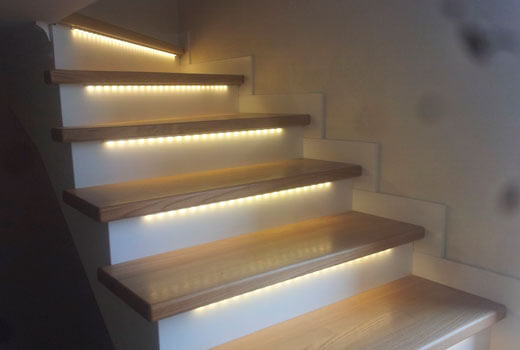 Подсветка лестницы светодиодной лентой своими руками фото 207