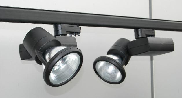 Система освещения на треках фото