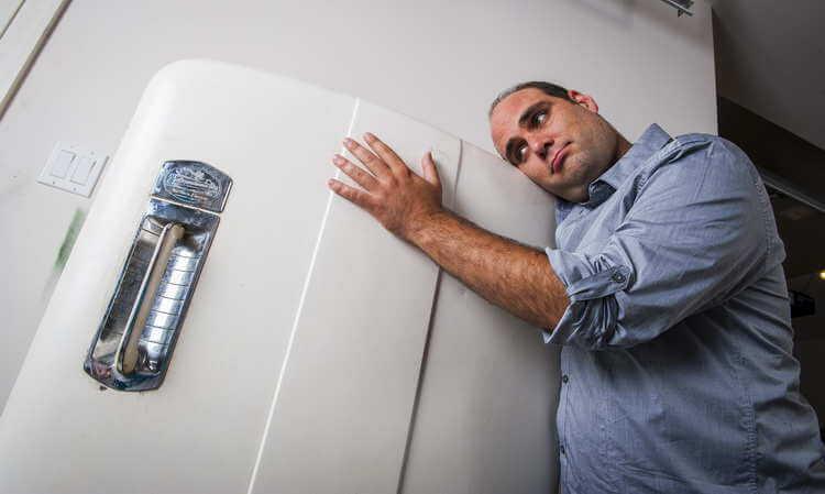 Холодильная камера шумит фото