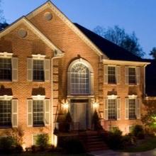 Как сделать архитектурную подсветку фасада дома?