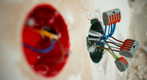 Расключение проводов в распайке фото