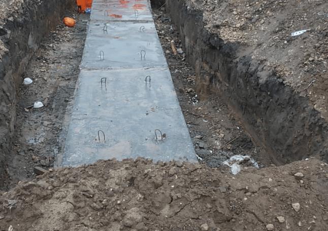 Прокладка плит на почву