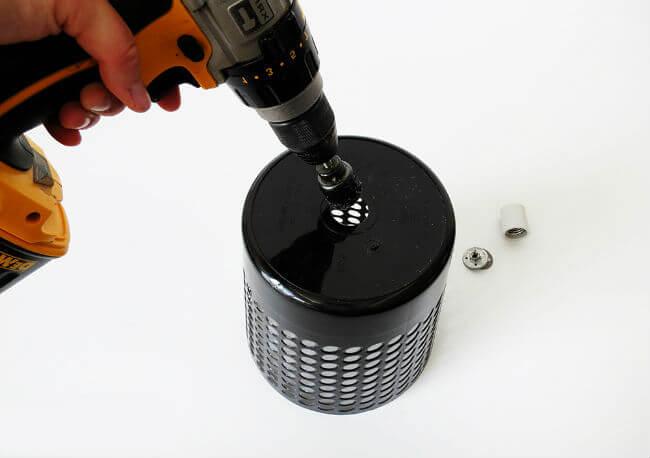 Изготовление отверстия для электрического патрона