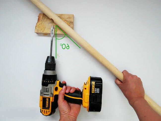 Сверление деревянной стойки