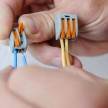 Как соединить провода клеммами WAGO?
