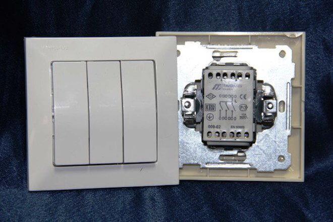 Подключение трехклавишного выключателя света: схема, видео, фото Фото