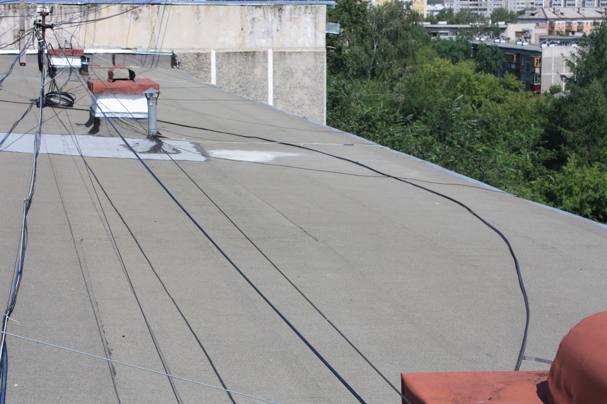 Электропроводка на крыше фото