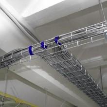Как нужно прокладывать кабель в лотках?