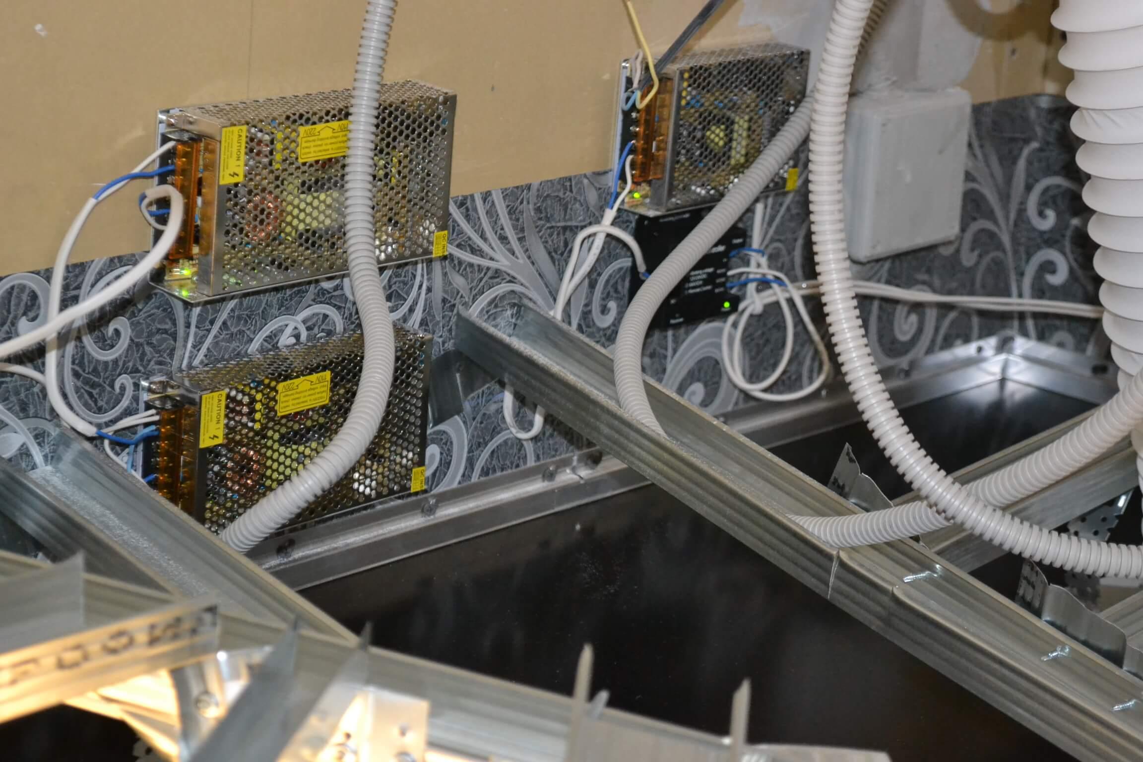 Как установить точечный светильник в натяжной потолок?, Коломна (фото)