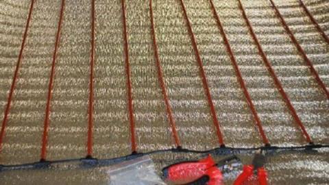 Укладка карбонового теплого пола под плитку и ламинат