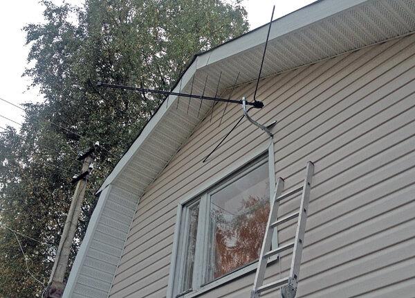 Установка ТВ-антенны на фасаде