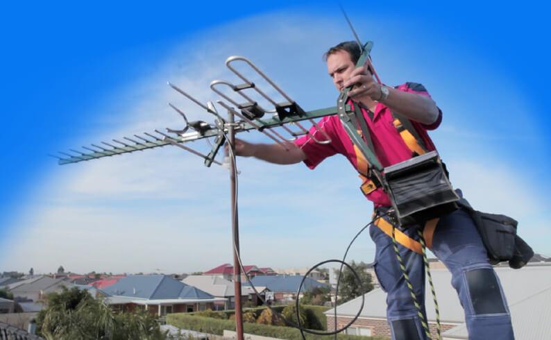 ustanovka antenny na kryshe doma 3 Как установить антенну на крыше частного дома Фото