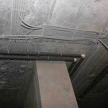 Как проложить кабель в подвале?