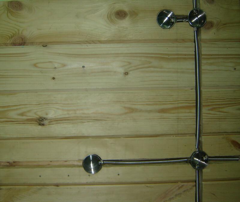 Установка металлических подрозетников в стену