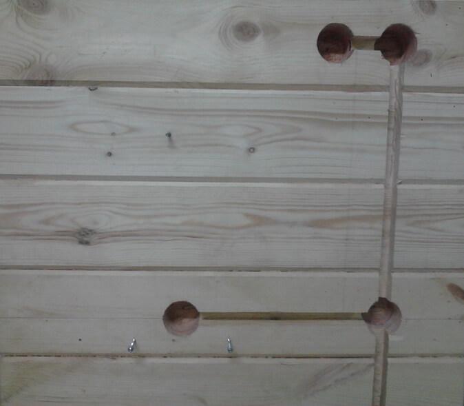 Штробы в деревянной стене
