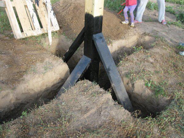 Самодельный электрический столба из дерева