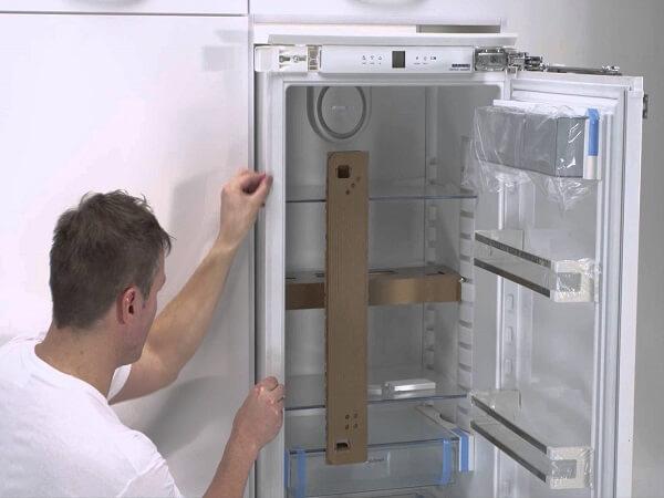 Установка встраиваемого холодильника своими руками
