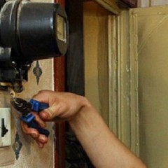 Чем грозит самовольное подключение электроэнергии?