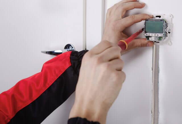 kak ustanovit termoregulyator 5 Установка терморегулятора теплого пола: видео, схема, фото Фото