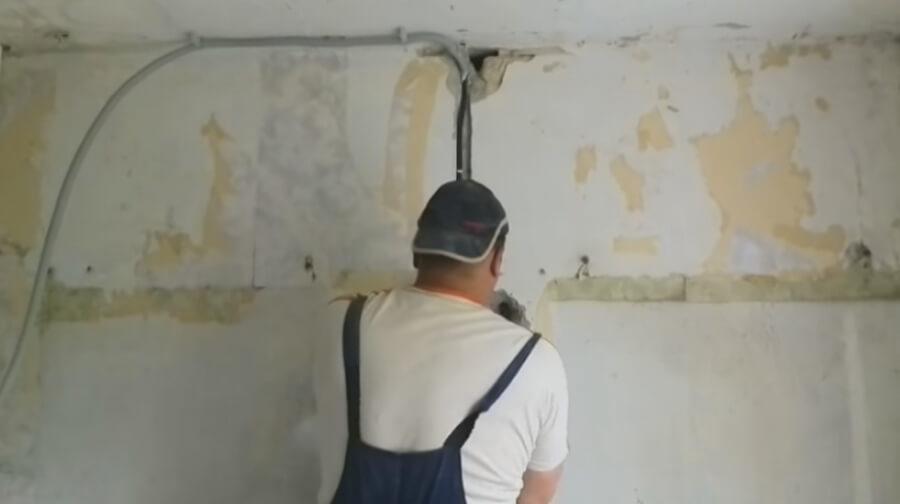Прокладка проводки по потолку
