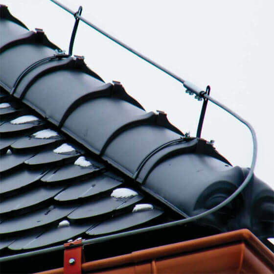 Трос на крыше