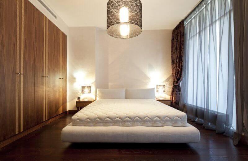 Торшеры над кроватью
