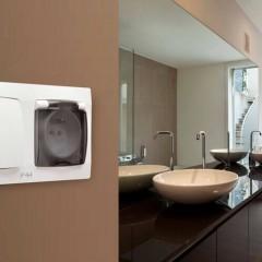 Где и как расположить розетки в ванной комнате
