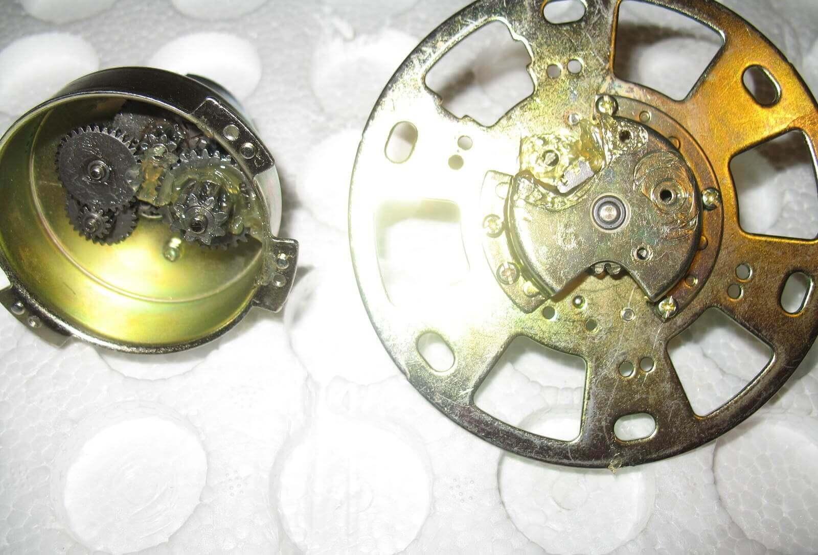 Механизм редуктора двигателя стабилизатора