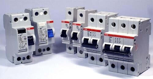 Автоматы с разным числом полюсов