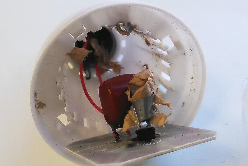 Взорвался электролитический конденсатор